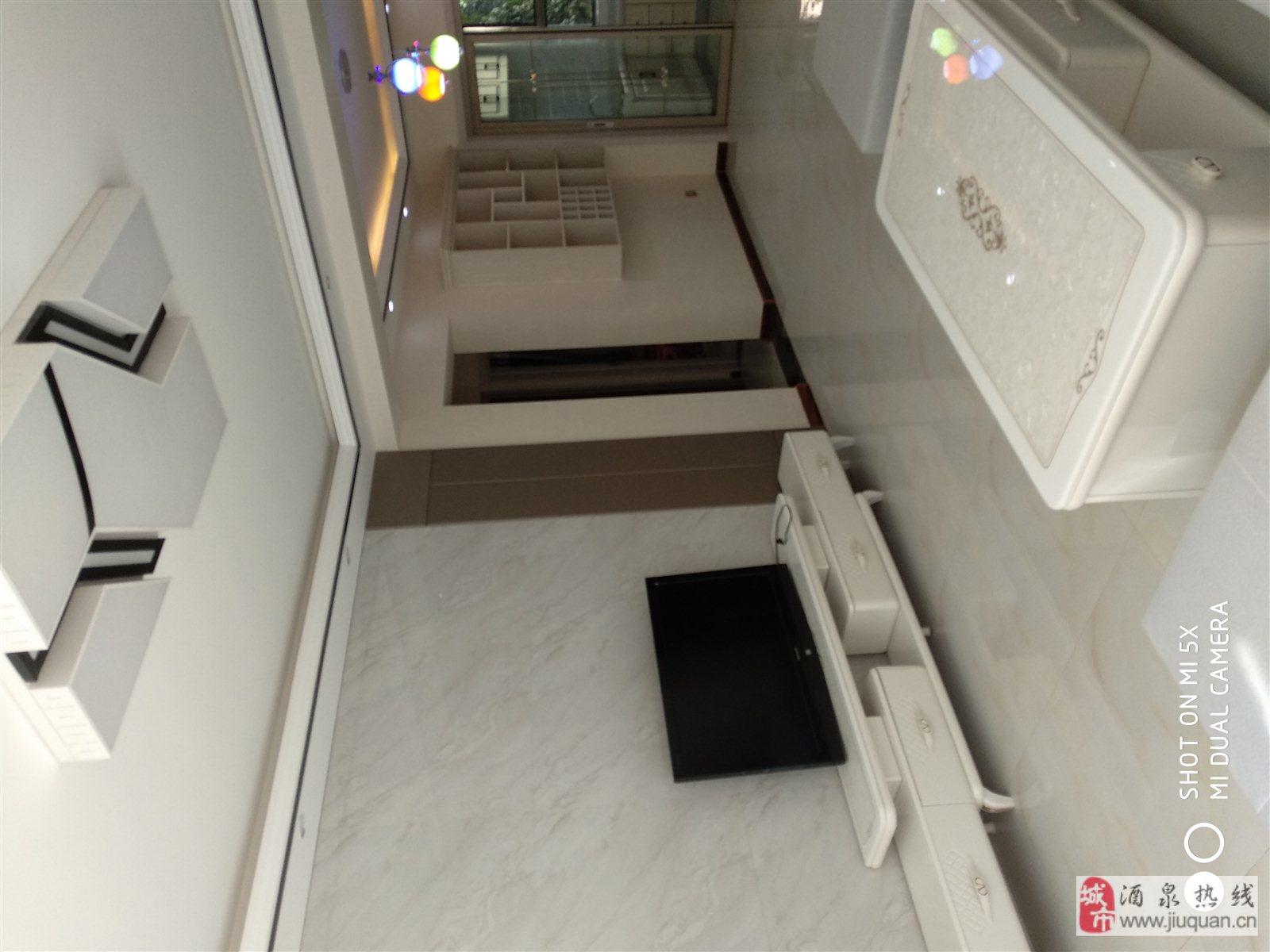 地区医院西2室 2厅 1卫46.6万元