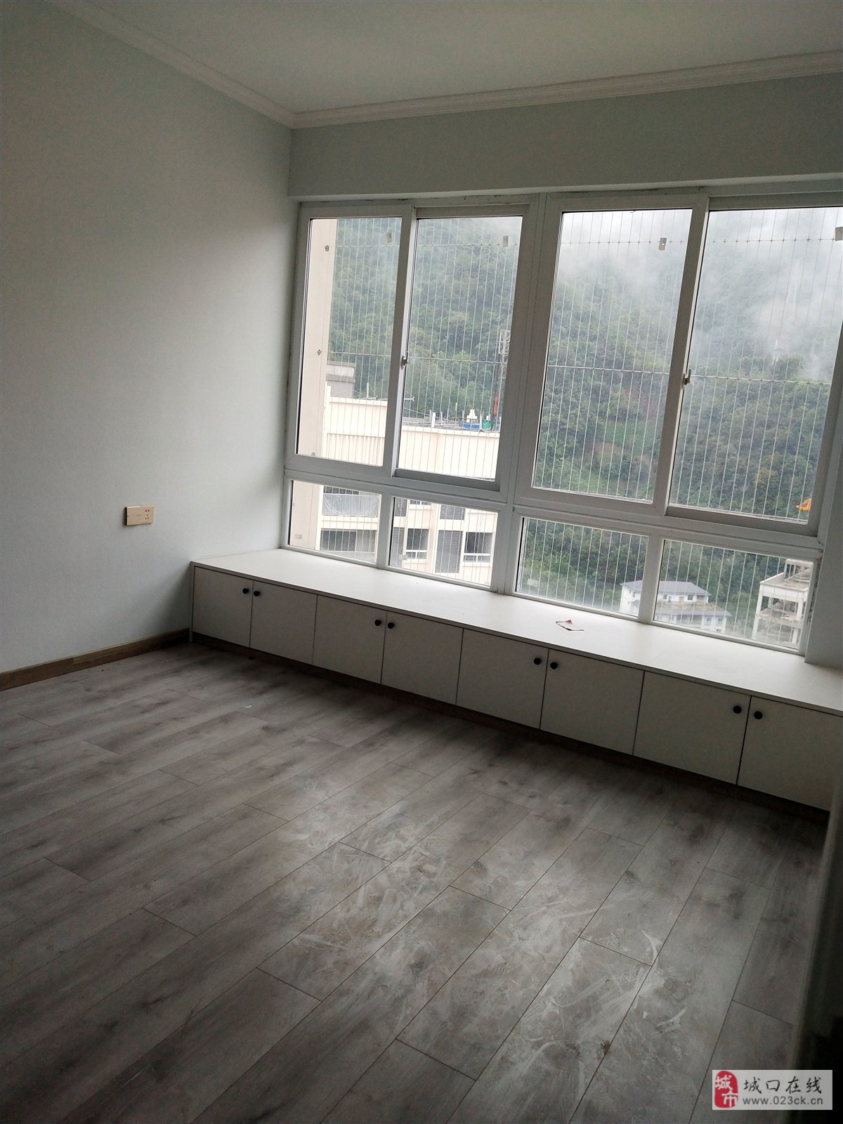 新城一号3室 2厅 1卫59万元