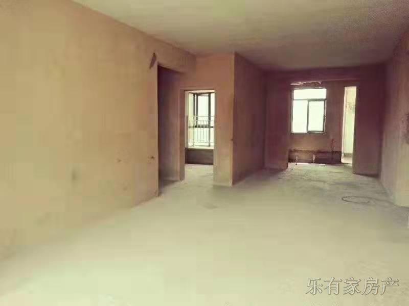 东湖国际3室 2厅 2卫50万元