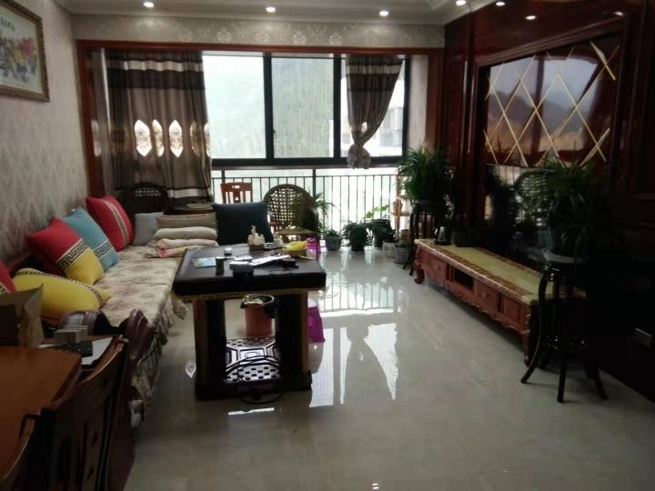 桂花苑4室 2厅 2卫92万元