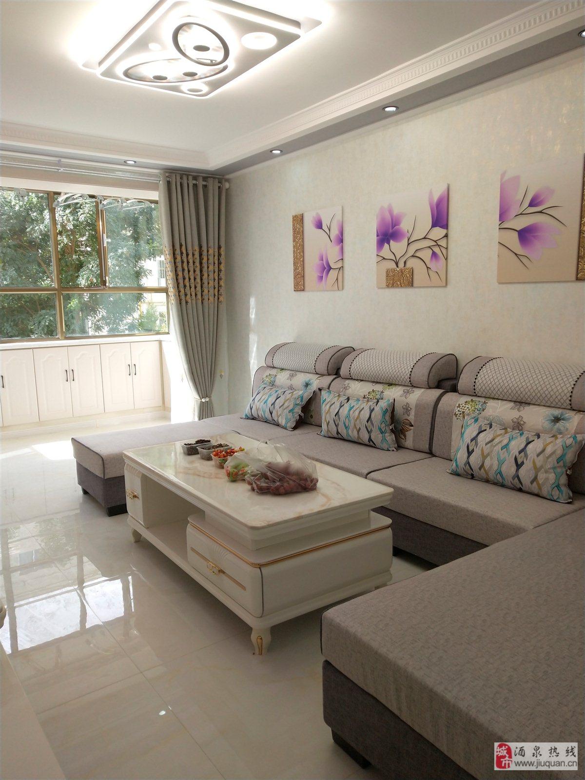 月太家苑3室 2厅 1卫43.8万元