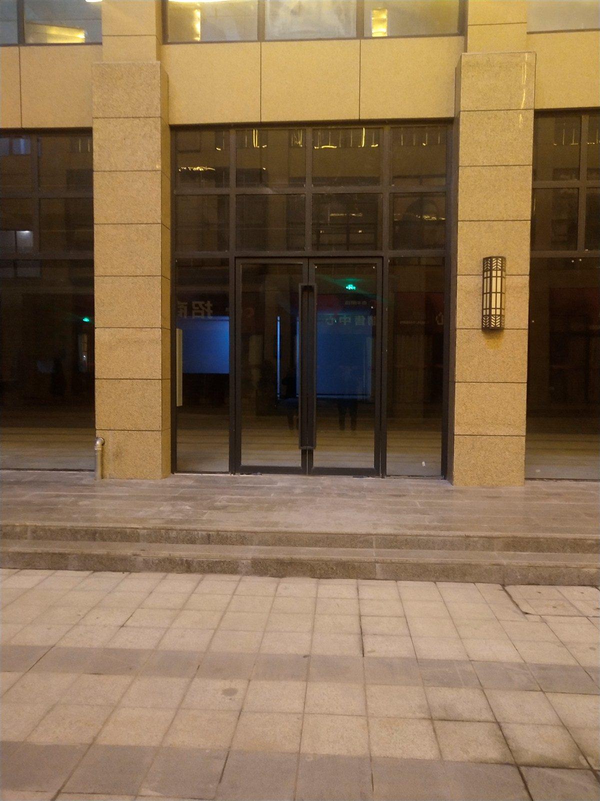 泰丰明珠商业街一楼门面出售1室 0厅 0卫78万元