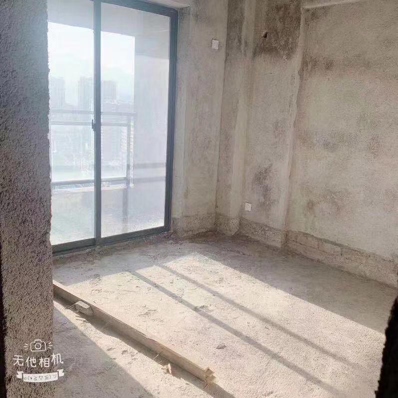 新跃家园3室 2厅 2卫128万元