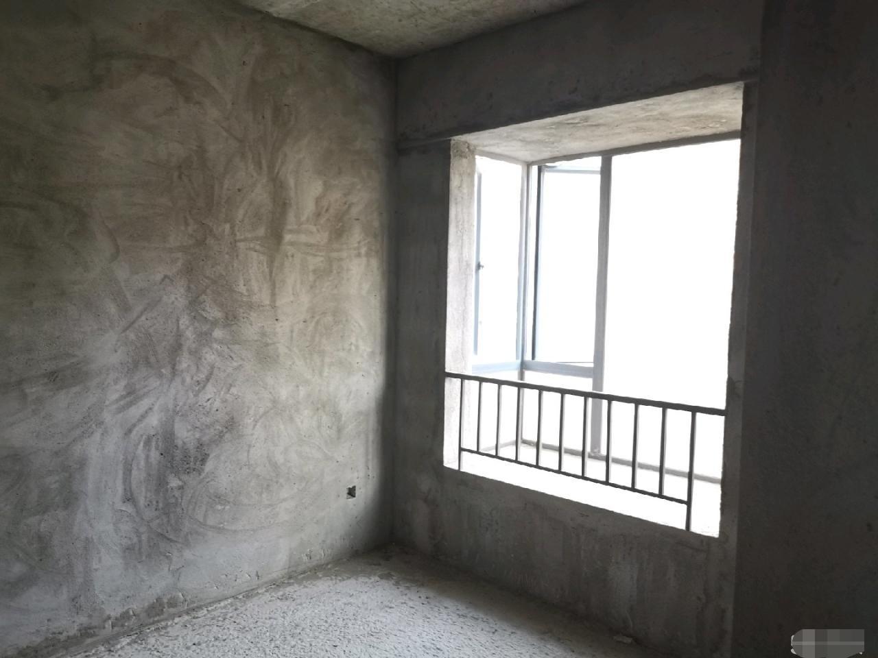 水晶城高层看溪三房售150万元