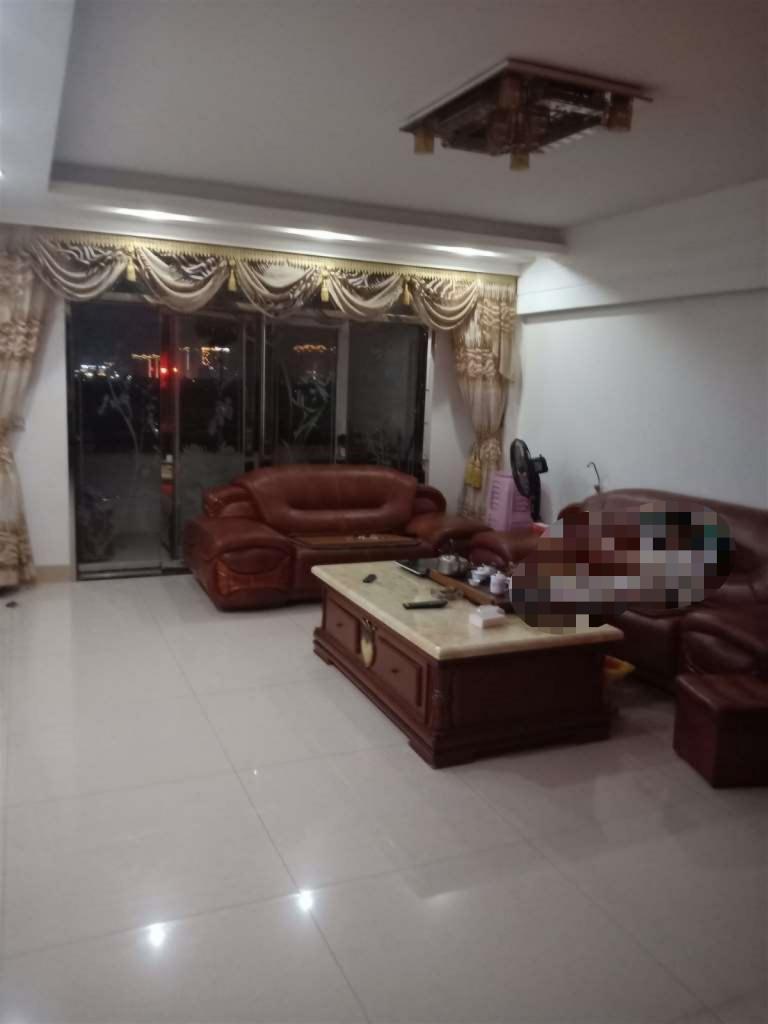 三远江滨花园122.5 3室 2厅 2卫118万元