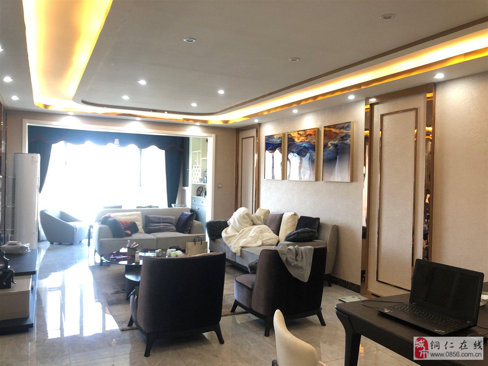 锦绣天地3室 2厅 2卫120万元精装一线江景关门