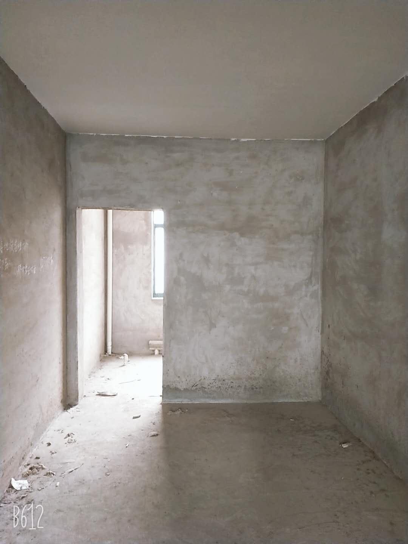 保康路4室 2厅 2卫75万元