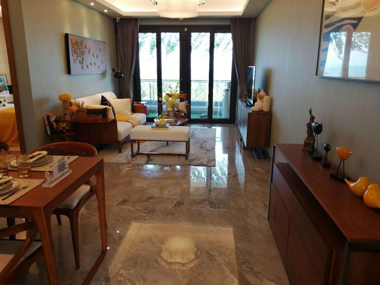 碧桂园海上大都会3室 2厅 2卫390万元