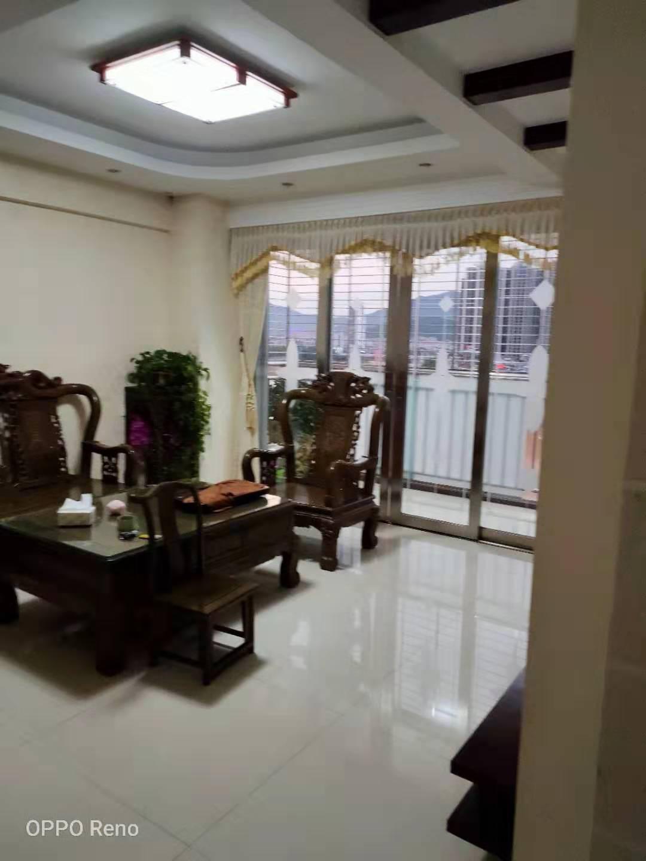 龙湖商城96.4平方看溪精装3房仅售125万元