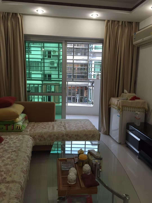 億龍城市花園38平方樓梯房僅售33.8萬元