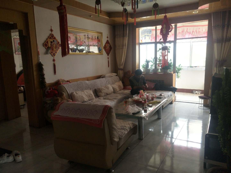 新城菜市场家福火锅旁边3室 2厅 2卫26万元