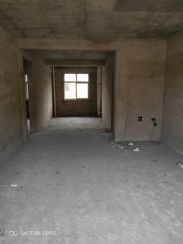 巴黎春天3室 2厅 2卫74万元