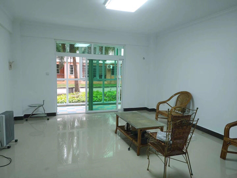 琼海学区房京博雅苑4室 2厅 2卫118万元