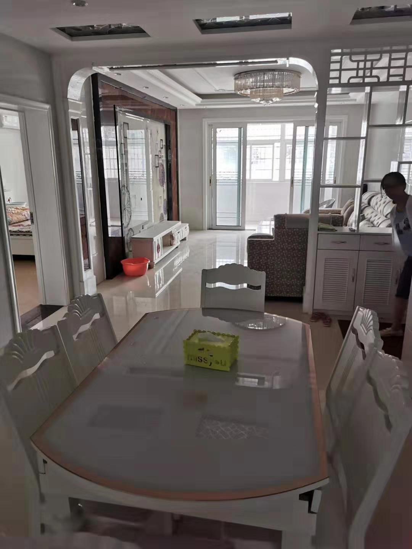 建国路口金星社区附近3室 2厅 2卫41万元
