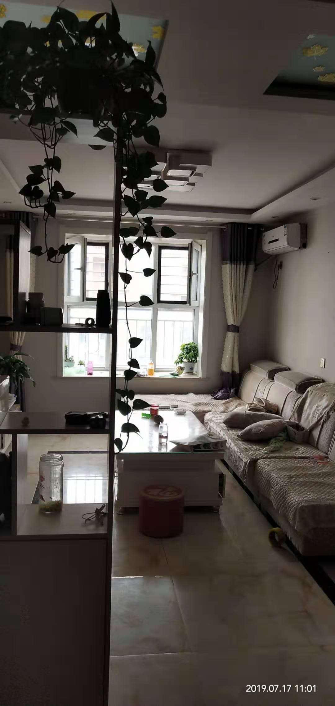 宇联港湾2室 2厅 1卫6500一平精装修