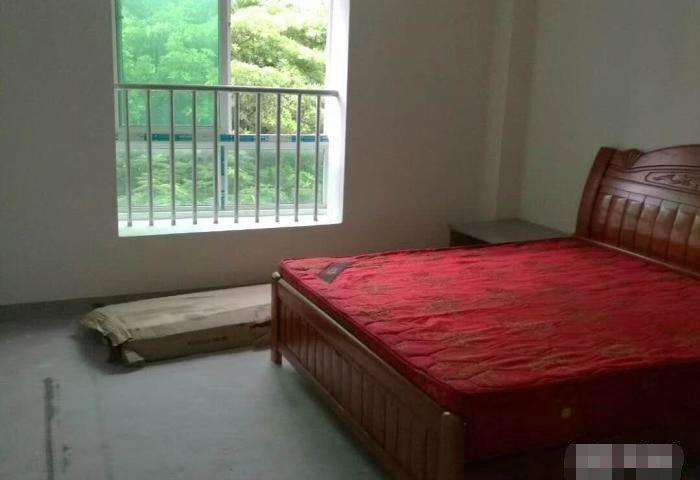 龙凤都城117.92中等装修3房仅售85万元