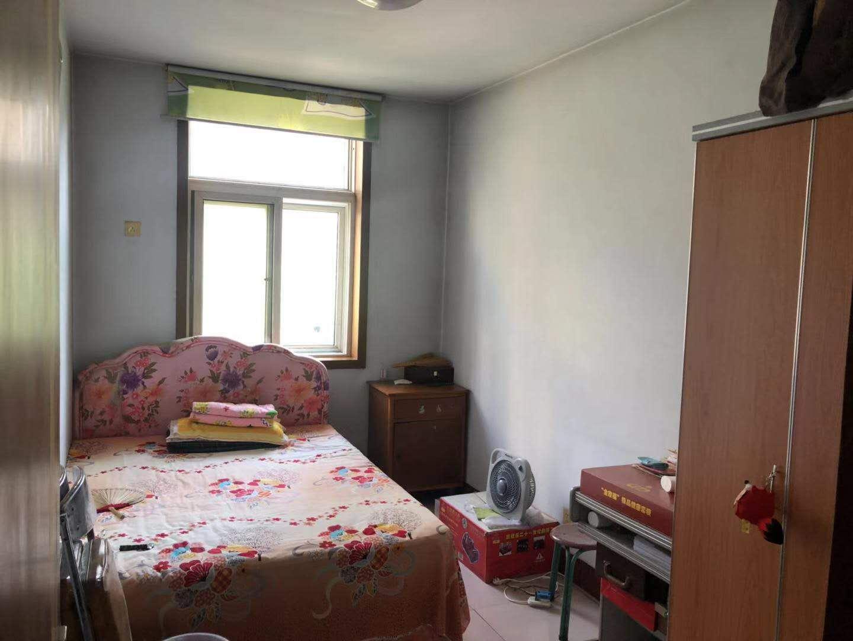 温泉家园3室 2厅 1卫95万元