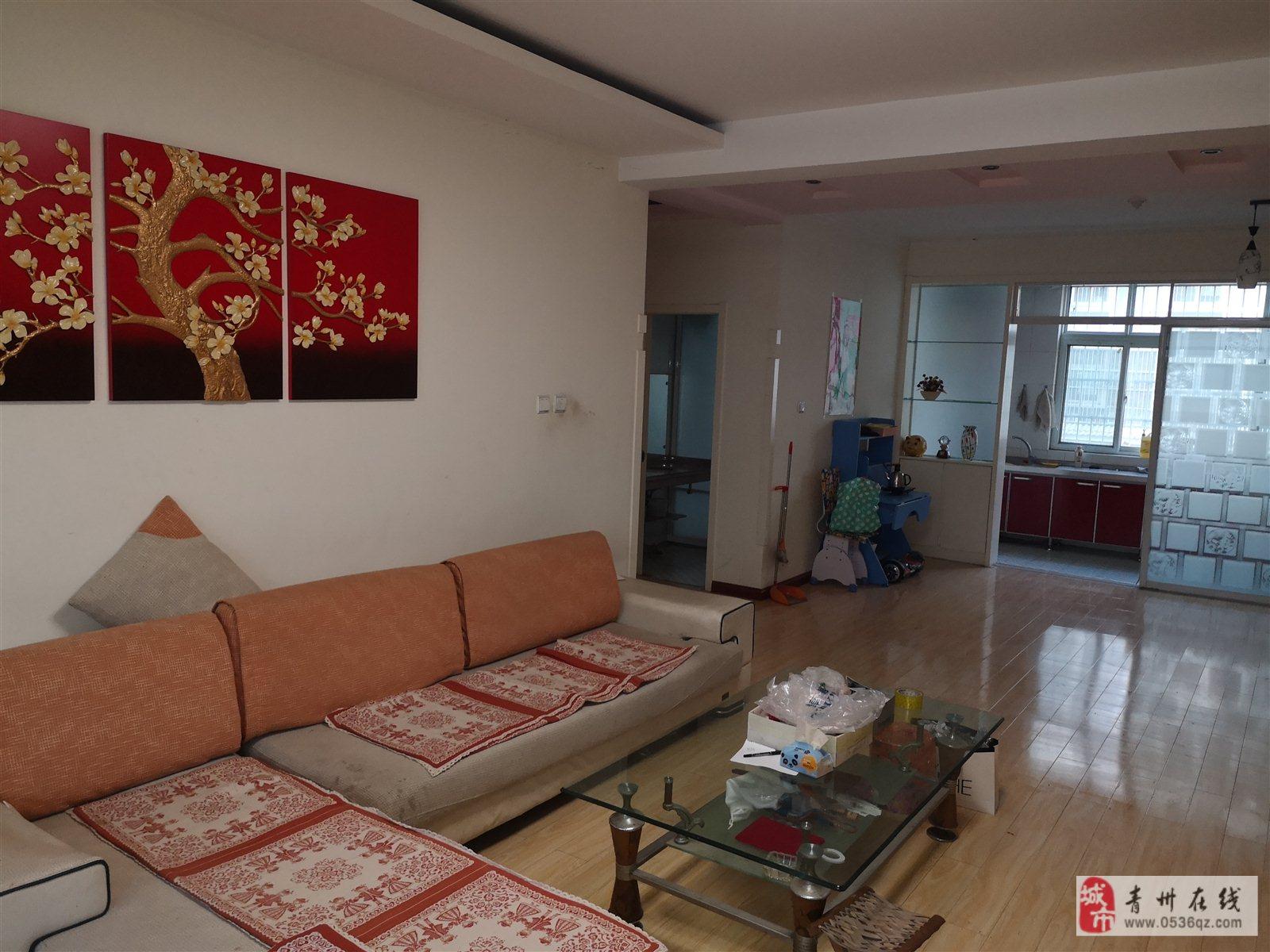 王府馨园1楼3室 2厅 2卫123万元