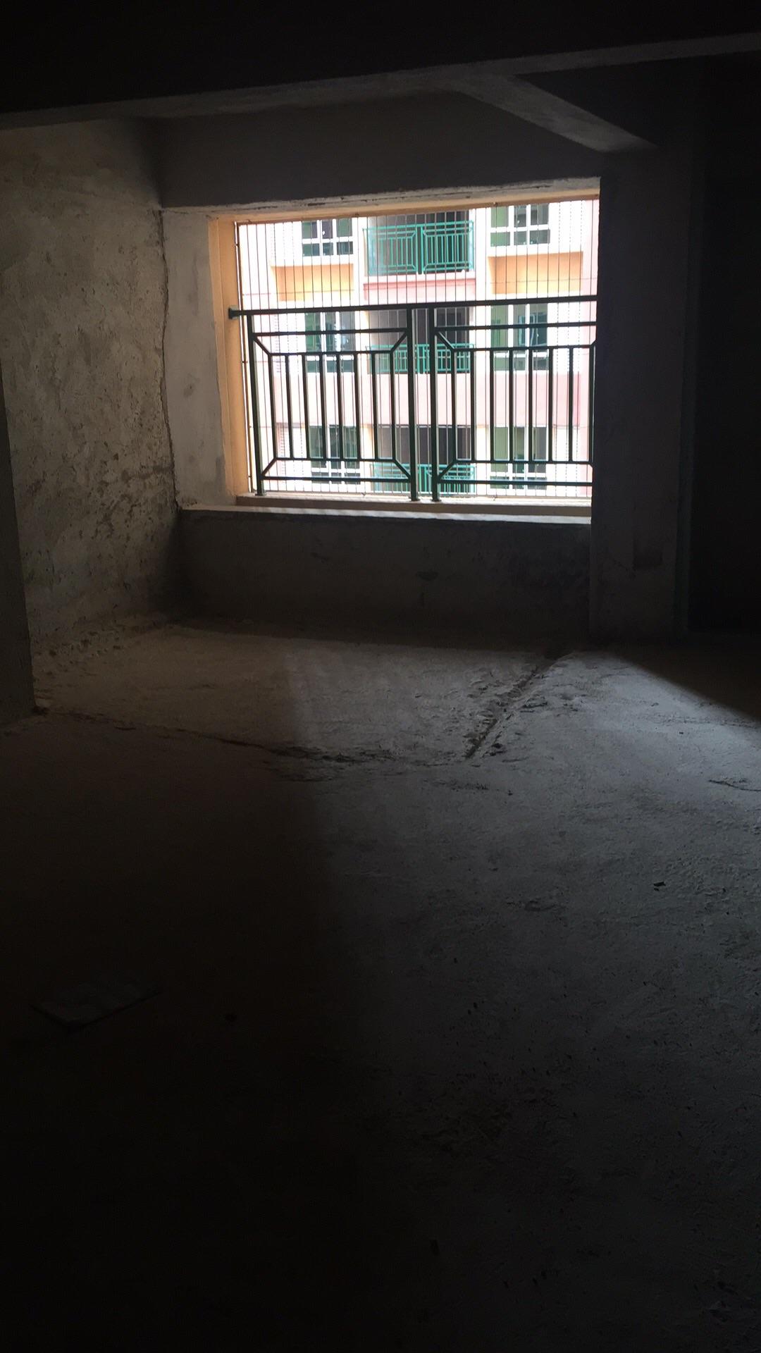 河婆新城3期3室 2廳 2衛85萬元