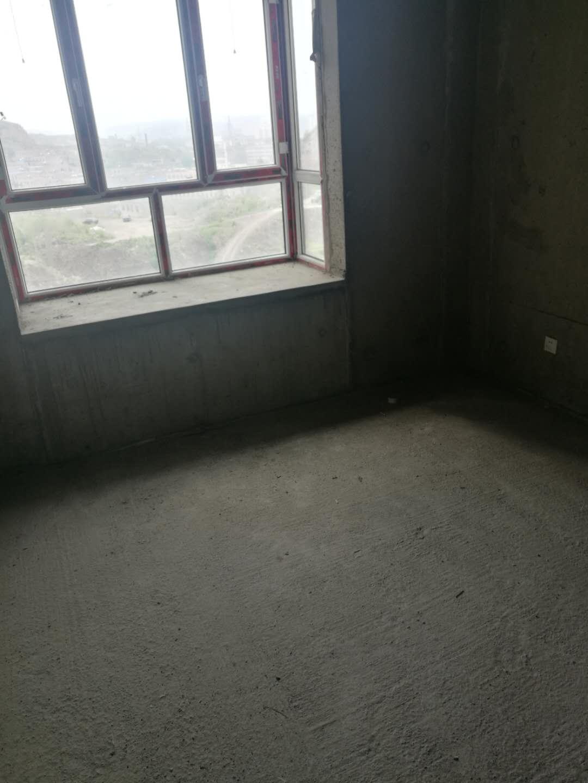 府谷县金花小区4室 2厅 3卫69万元