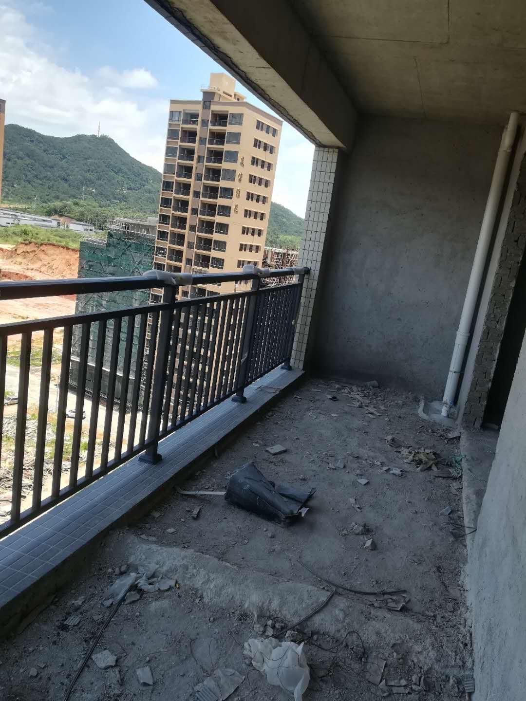 丽景湾4室 2厅 2卫42.8万元