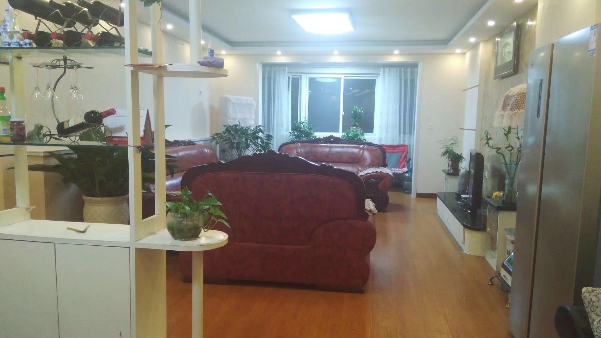 广电小区3室 2厅 2卫80万元
