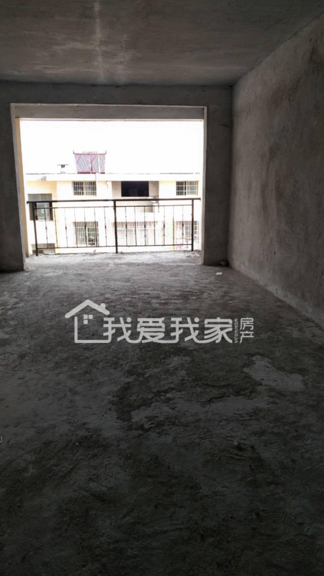 金城國際4室 2廳 2衛70萬元