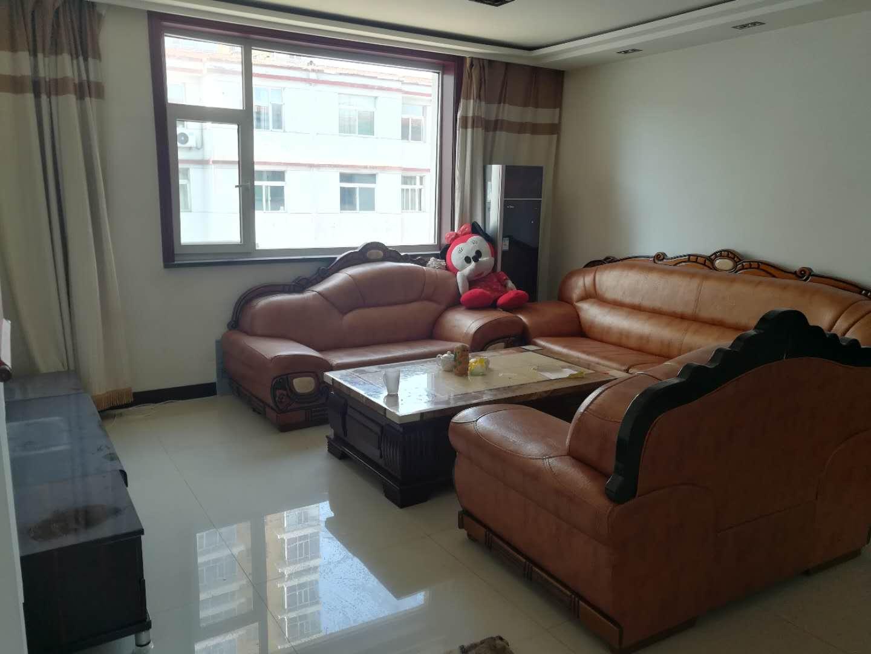 金龍小區3室 2廳 1衛44萬元