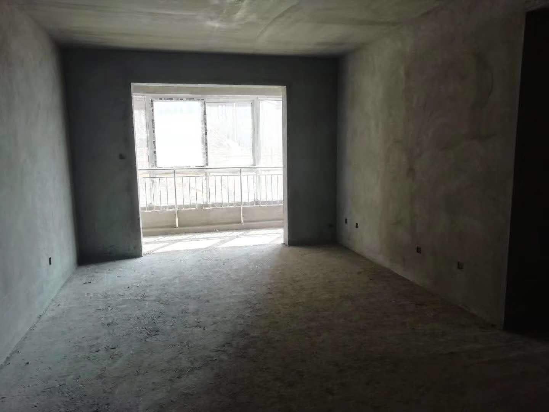 湖畔华庭3室 2厅 1卫52万元