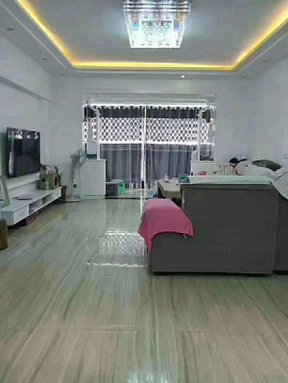 香江半岛4室 2厅 2卫70万元