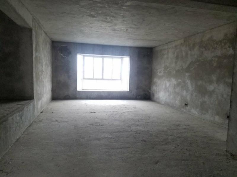 滨江广场3室 2厅 2卫38万元
