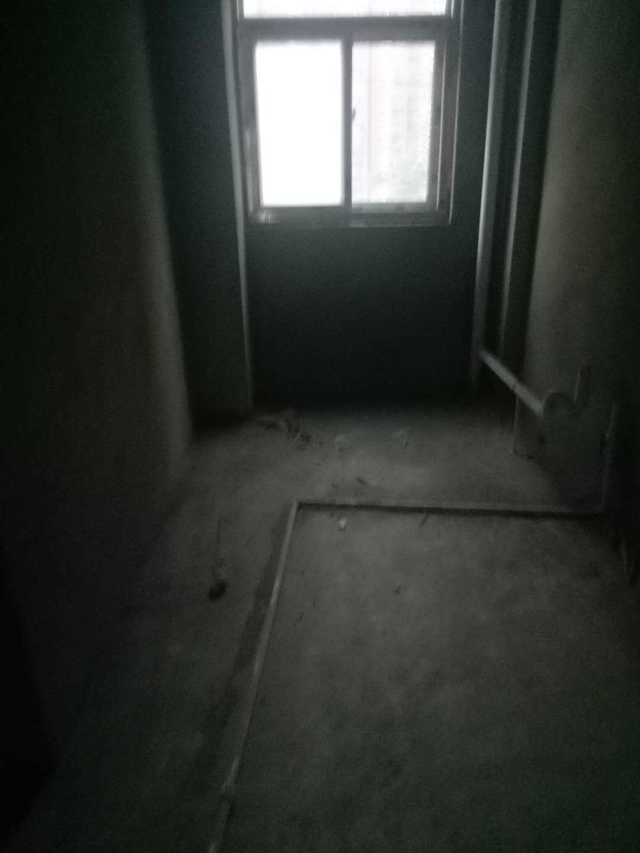 七里河畔2室 1廳 1衛31萬元