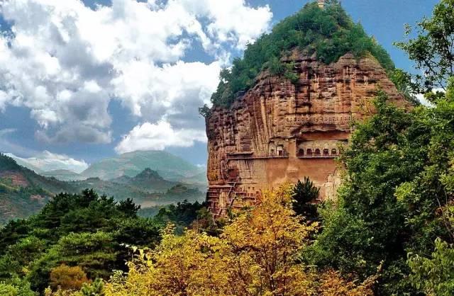 麦积山风景名胜区系风景区的总称,全景区包括麦积山石窟,仙人崖,石门